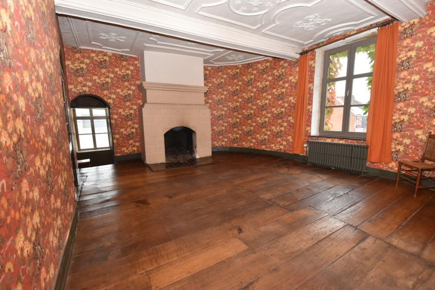 Chambre 3 fenêtre cheminée